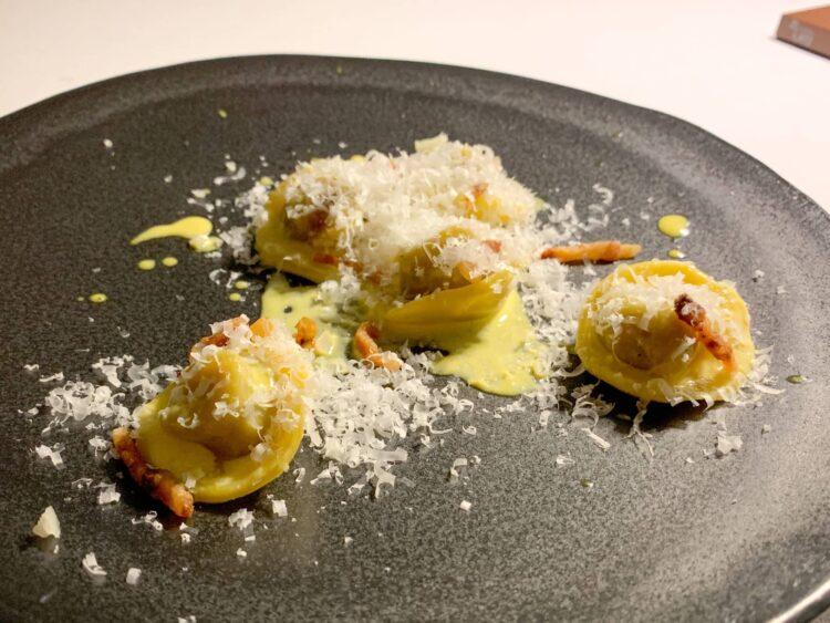 Red onion tortello with carbonara sauce and Pecorino cheese