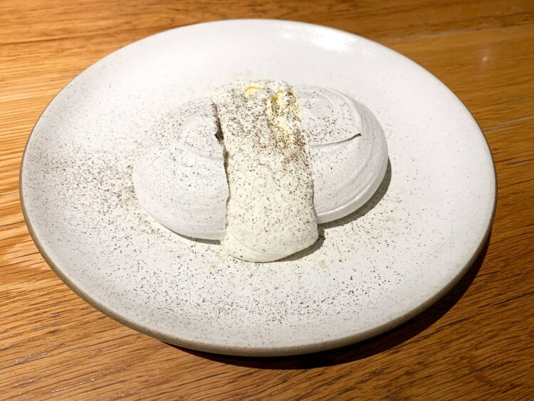 Merengue with corn mousse