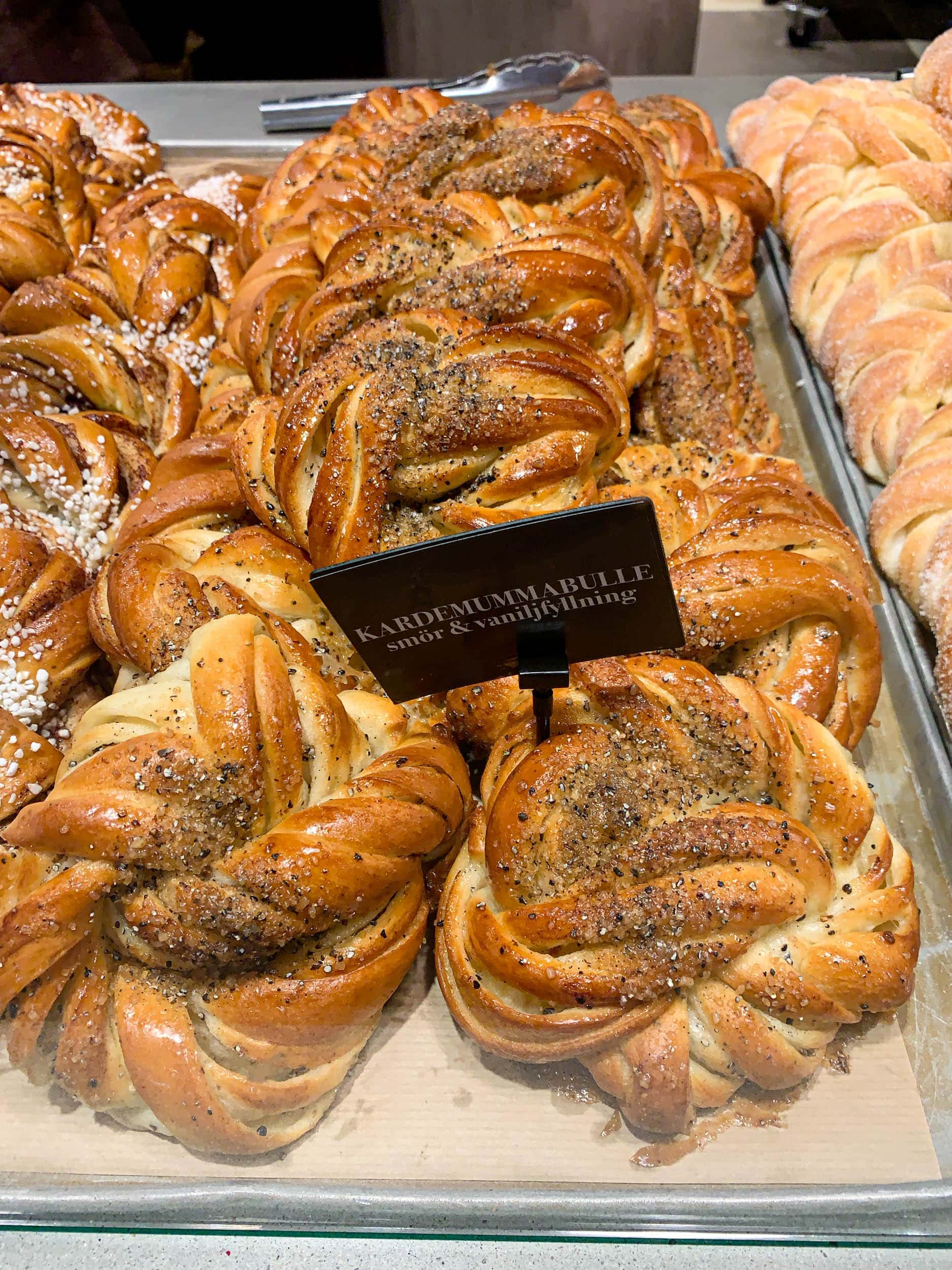 Cardamom buns at Mr. Cake