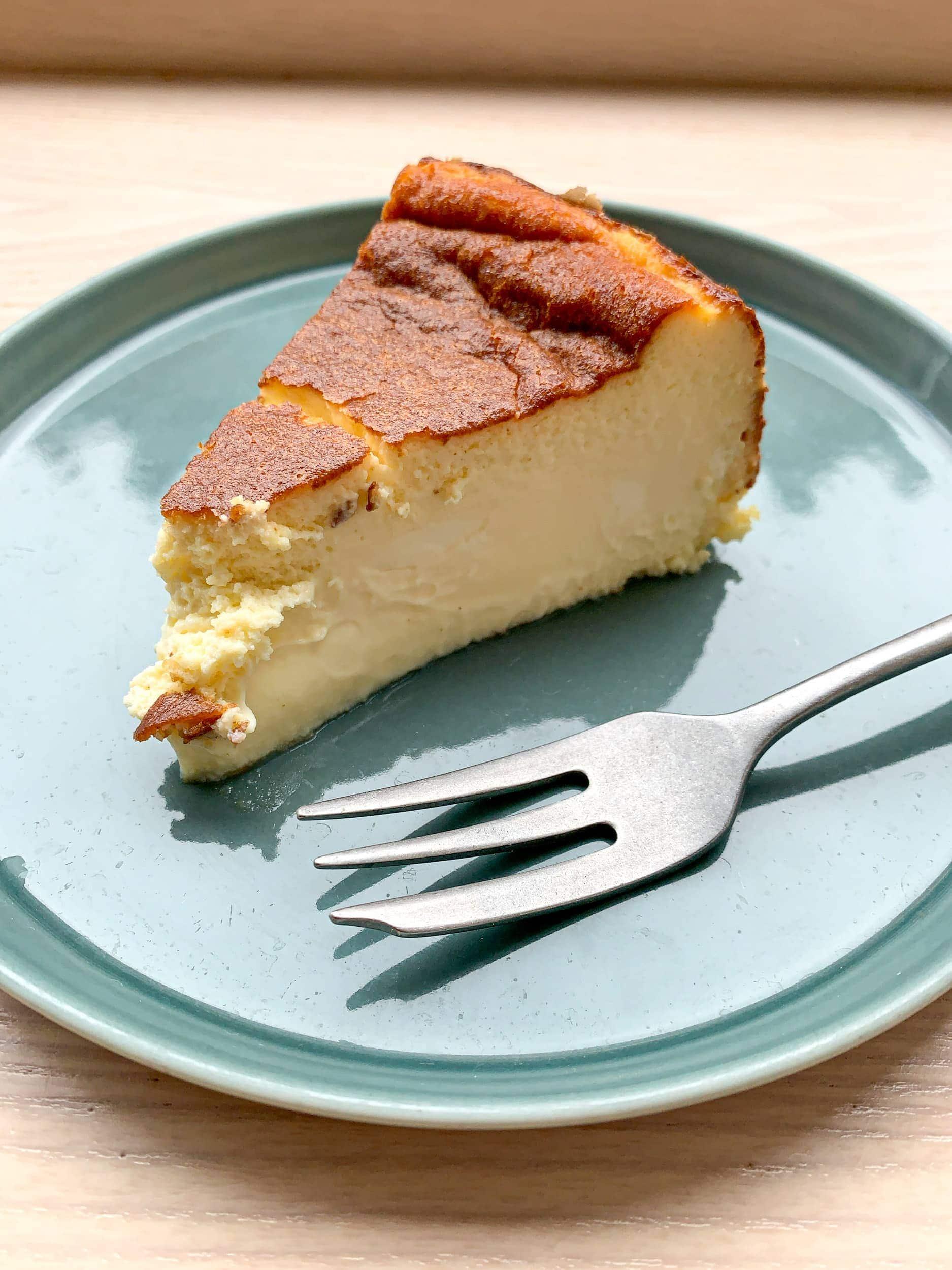Basque cheesecake at Hart Bageri