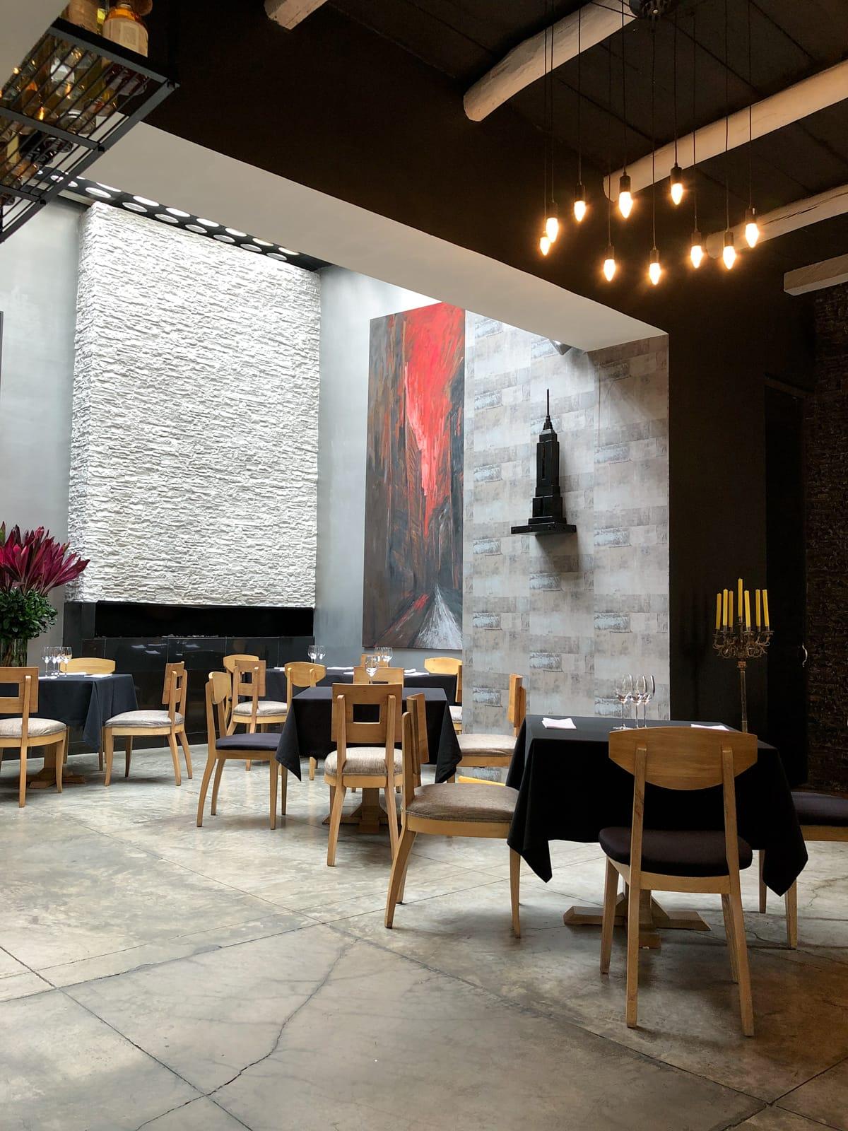 Dining room in Leo in Bogotá, Colombia