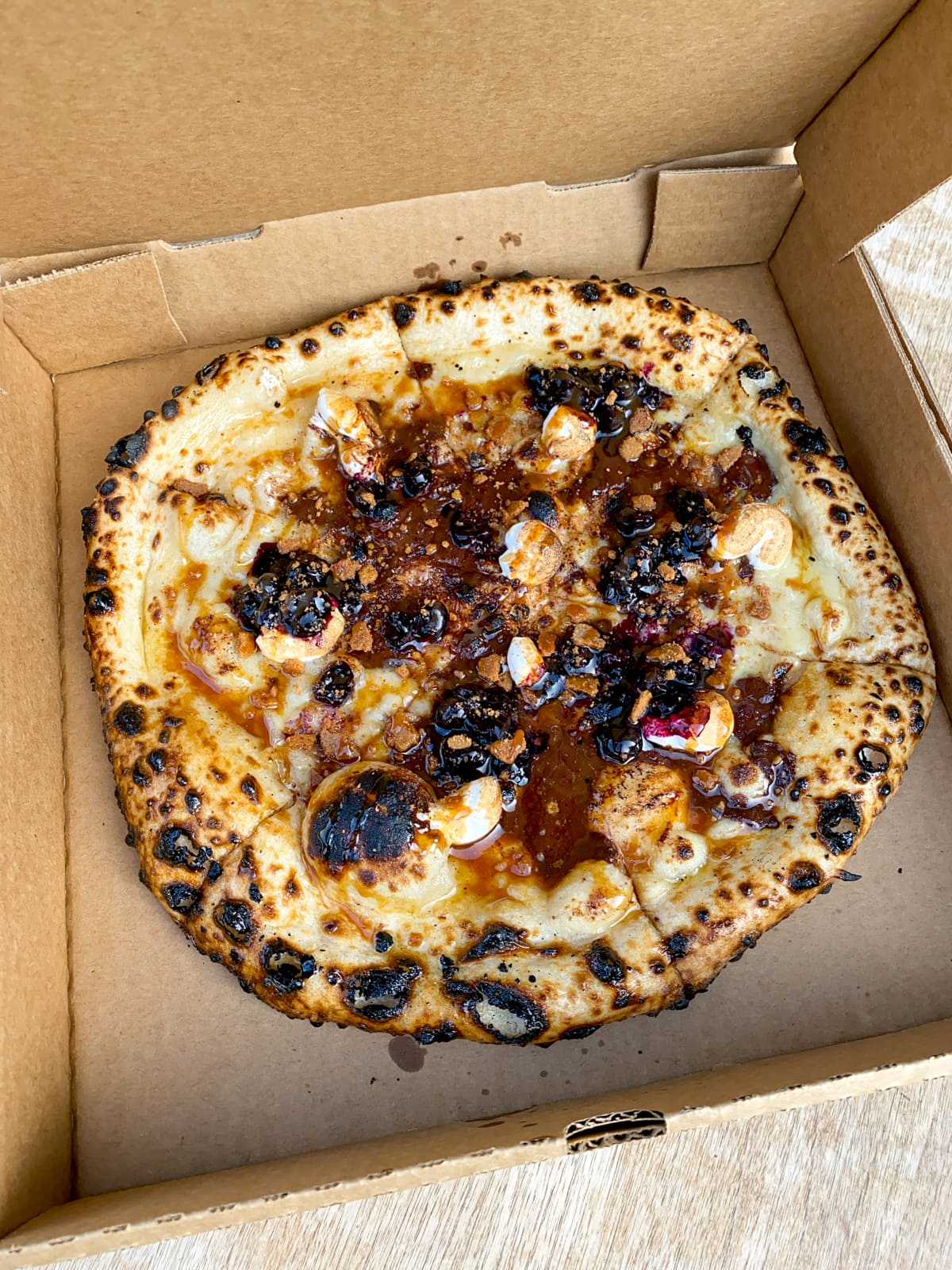 Bufalina dessert pizza