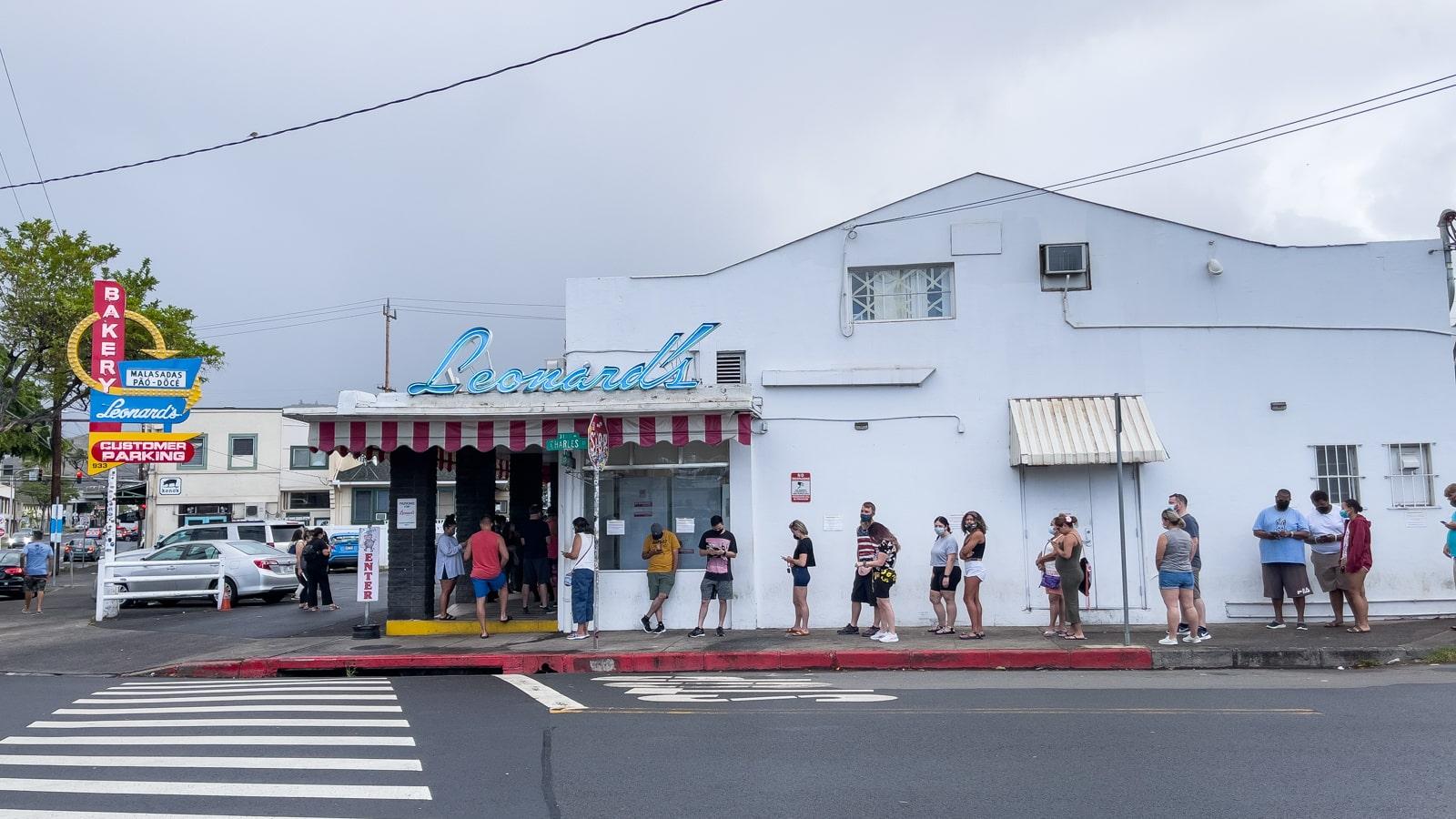 The line outside Leonard's Bakery in Honolulu, Hawaii